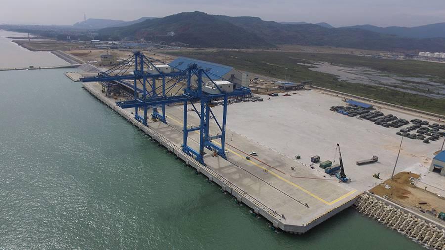 Xây dựng cảng biển, đê kè, bến thủy nội địa