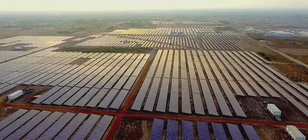 5 trang trại năng lượng mặt trời lớn nhất thế giới