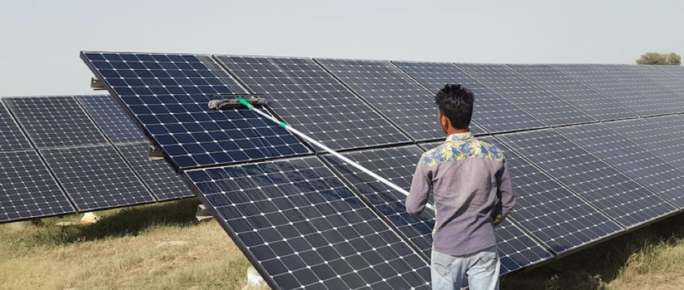 Tại sao phải vệ sinh pin năng lượng mặt trời?