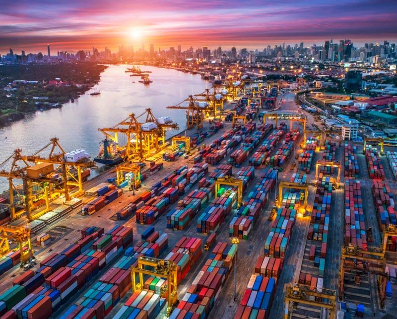 Tại sao xây dựng cảng biển góp phần phát triển thương mại quốc tế cho các doanh nghiệp?