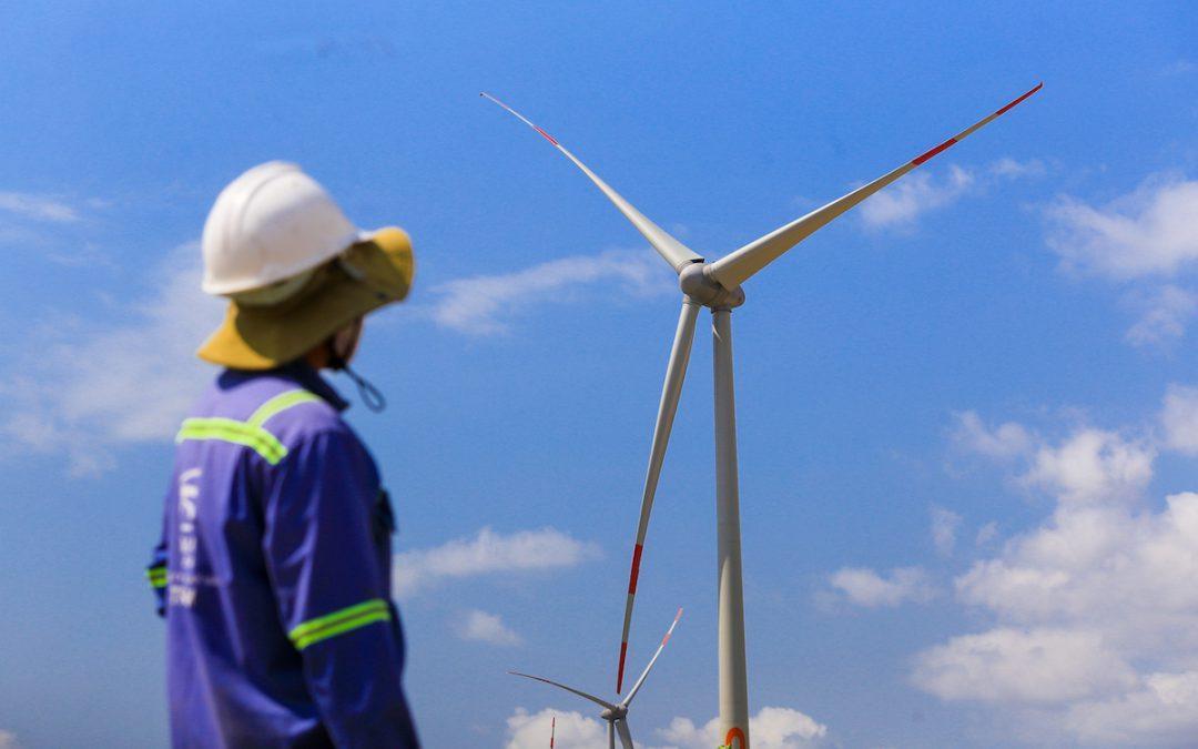 Sắp thí điểm mua bán điện mặt trời, điện gió không qua EVN